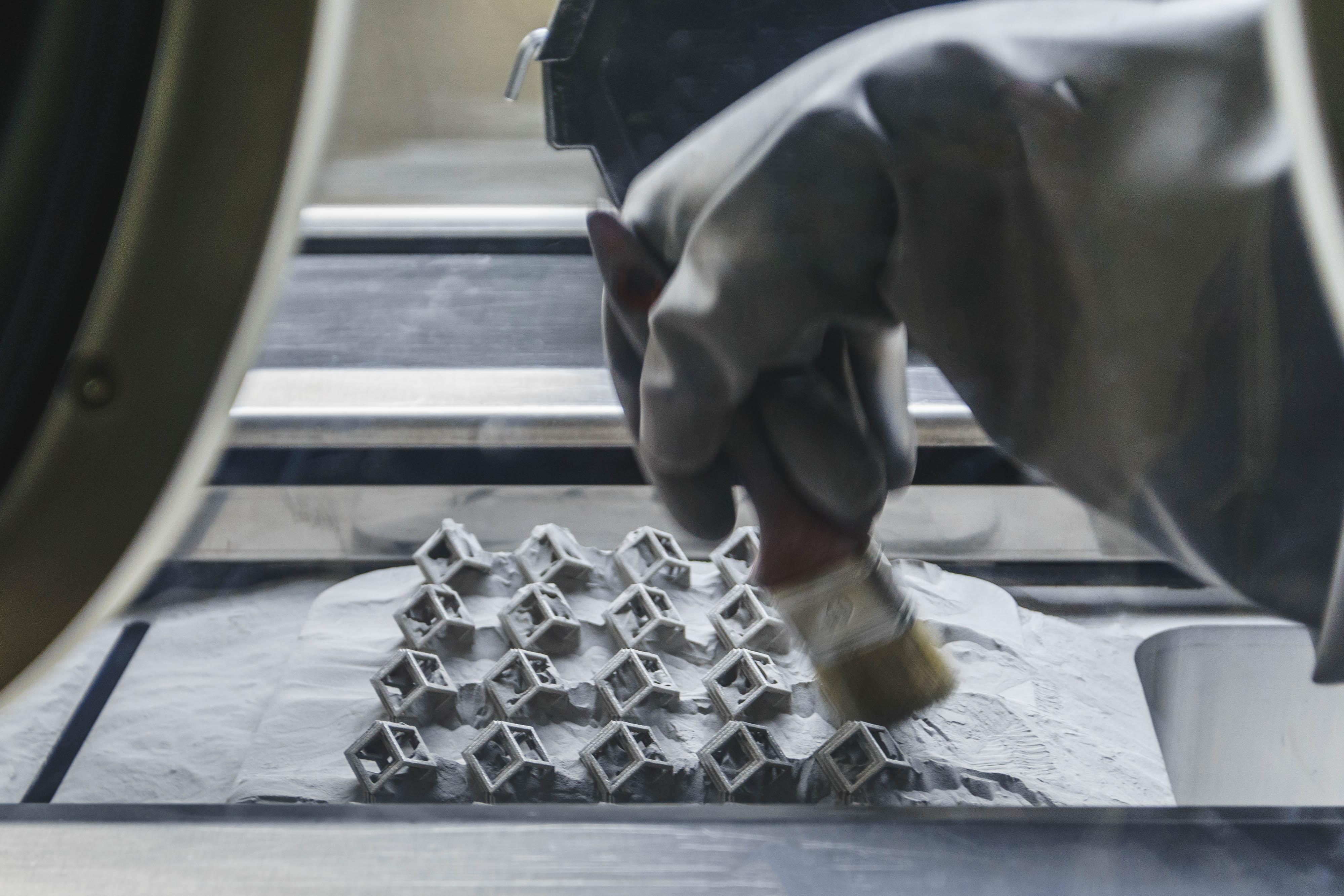 پودرزدایی پرینتر سه بعدی فلز
