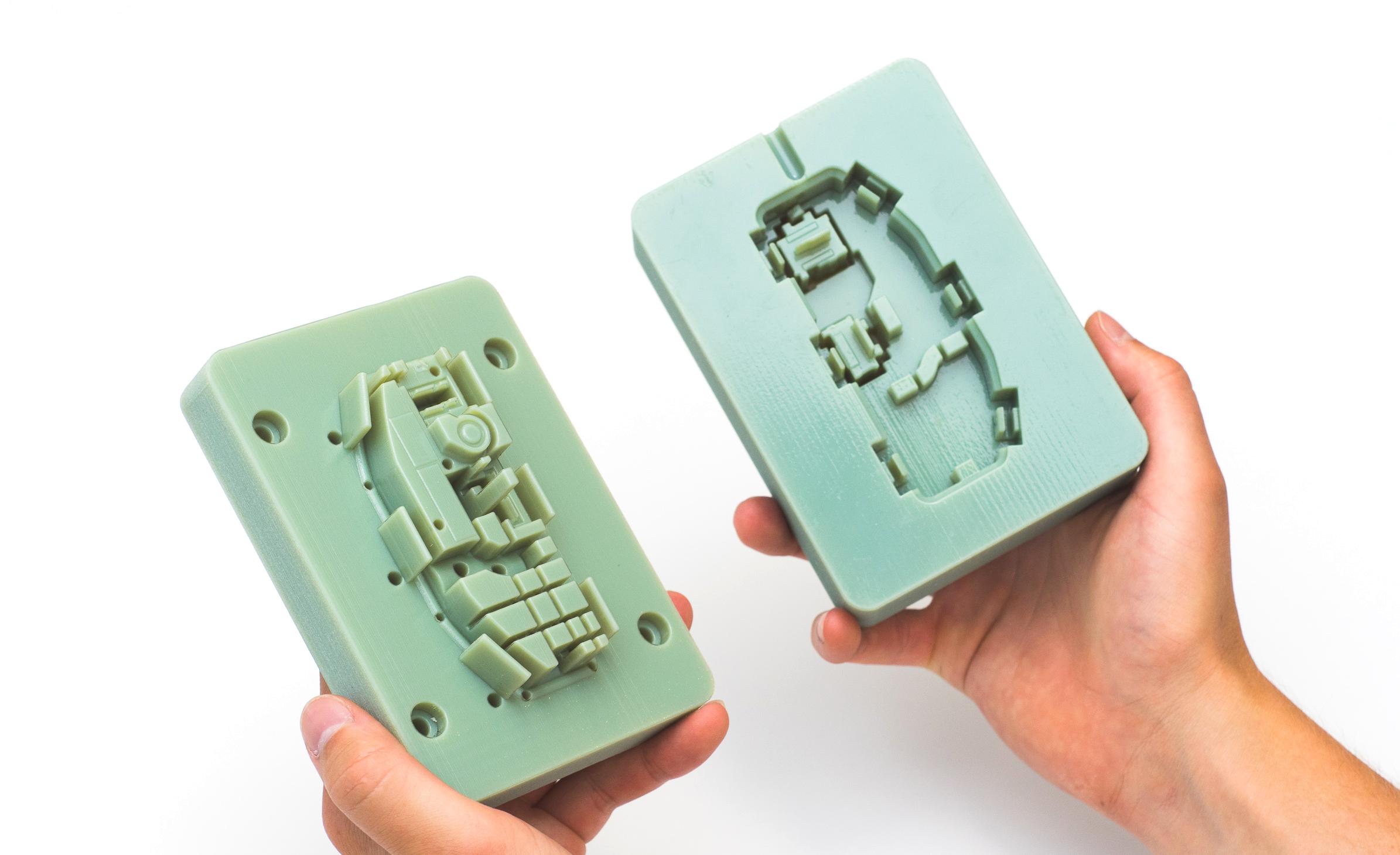 یک قالب تزریق پلاستیک پرینت سه بعدی با متریال Digital ABS
