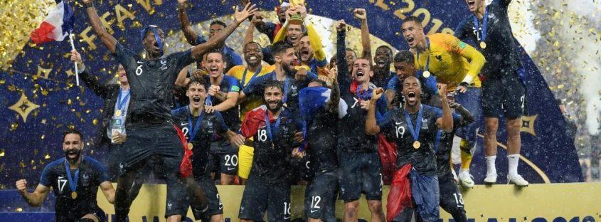 شادی بازیکنان تیم فرانسه از قهرمانی