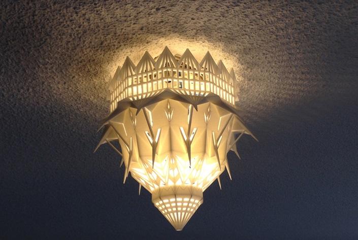 لامپ پرینت سه بعدی شده به شکل کلیسا