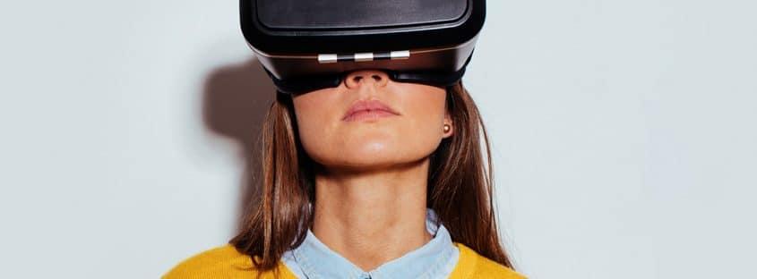 تفاوت عینک AR و VR
