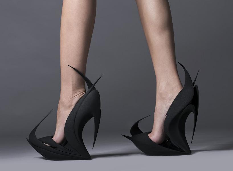 """Zaha Hadid's """"Flames""""مدلی از کفش سبک میلان"""