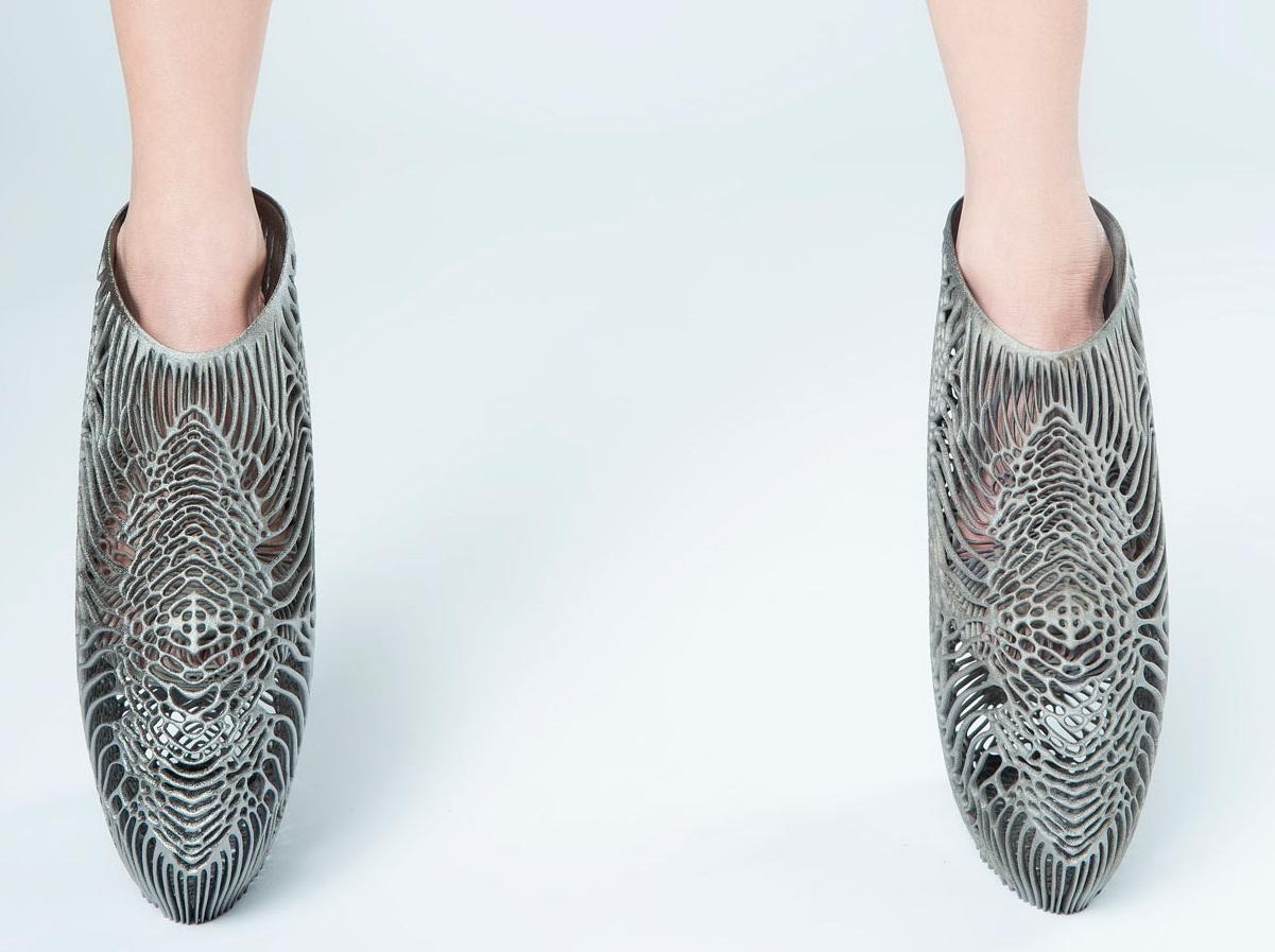 نمای جلویی از کفش پرینت سه بعدی شدهقارچی