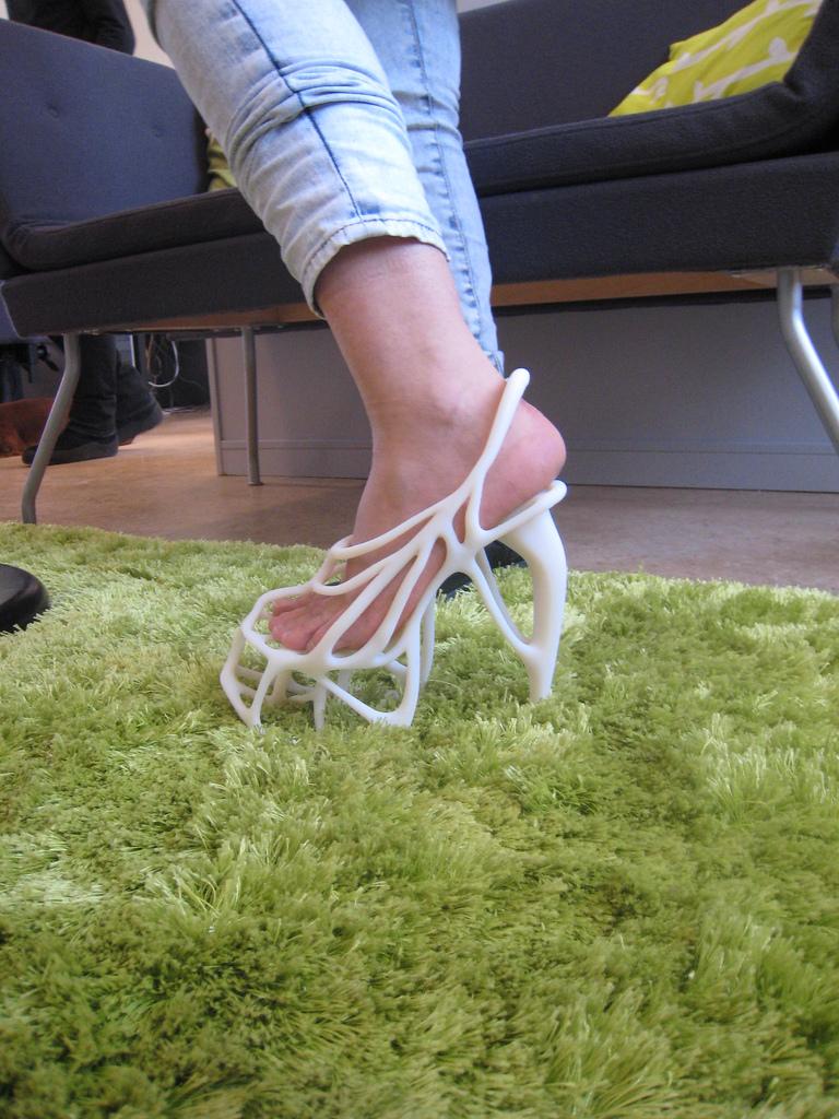 کفش اسکلتی در فشن