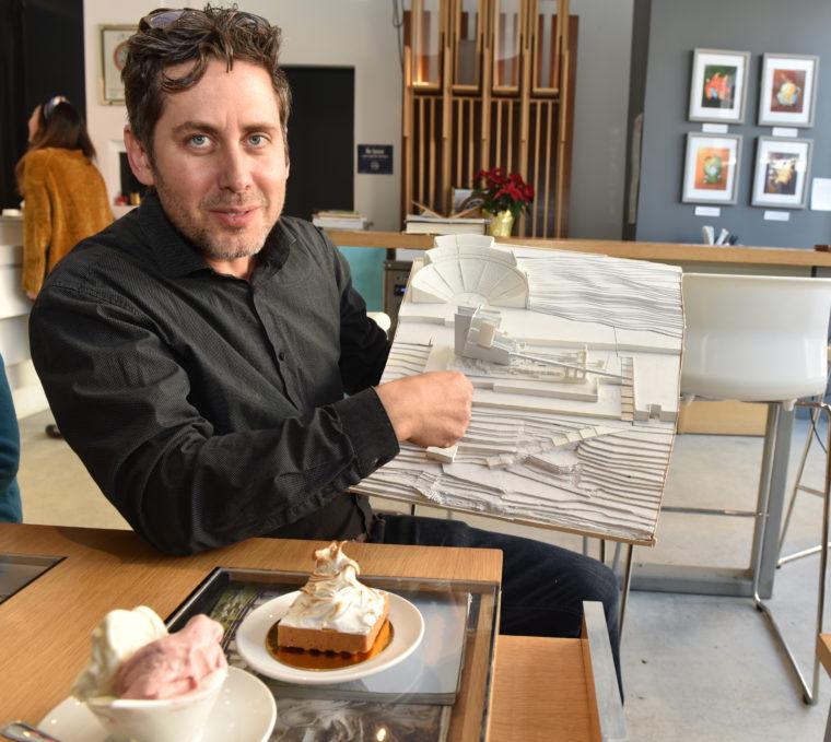 Peter Zaharatos ارائه دهنده پرینت سه بعدی شکلات به شکل نماهای معماری