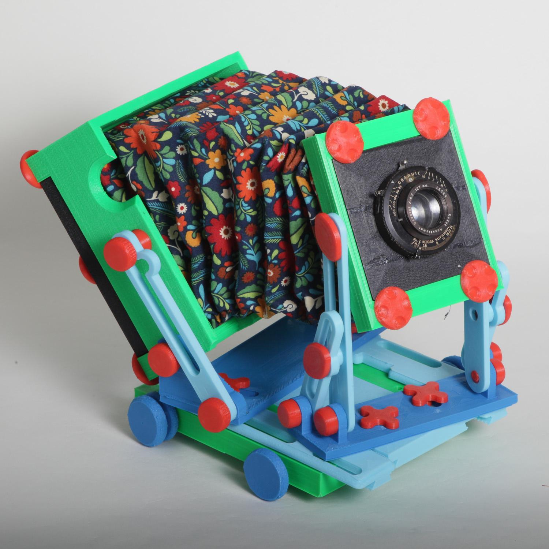 نمونه ای حاصل از پرینت سه بعدی شده دوربین عکاسی رنگارنگ