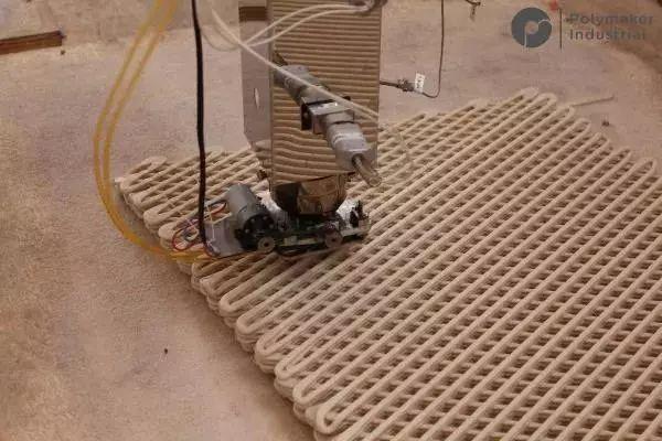 در حال پرینت سه بعدی بزرگترین پل پلاستیکی