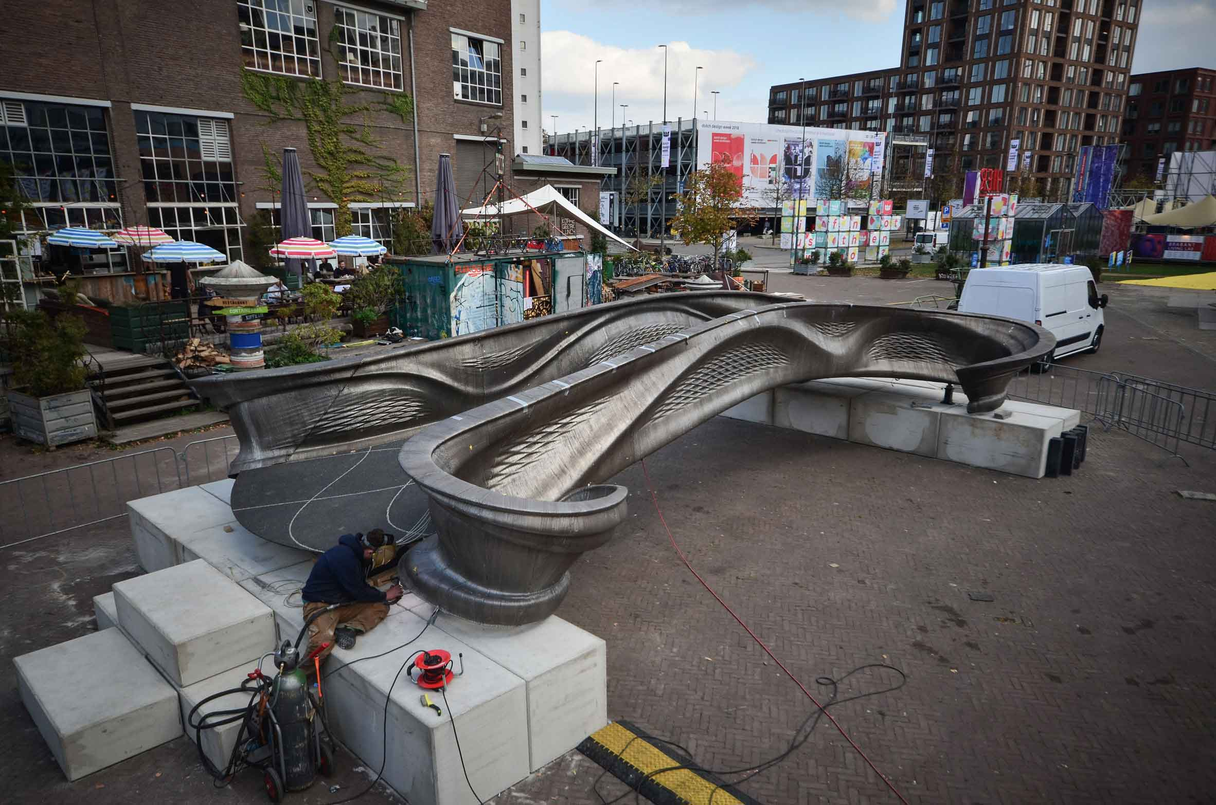 پرینت سه بعدی نخستین پل فولادی در جهان