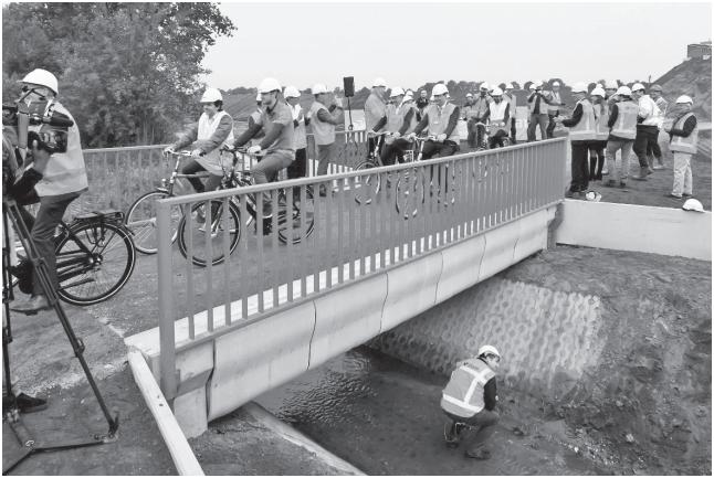 پرینت سه بعدی پل بتنی برای عبور دوچرخهسواران