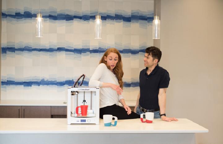 تیم تولید کنندهیفنجان قهوه
