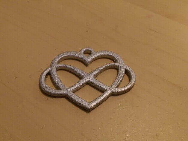آویز قلبی حاصل از چاپگر سه بعدی